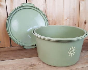 Vintage Tupperware 70s Olive Green Large Round Container Keeper Food Storage Party Canada Mod Retro Kitchen Potlock Cooking Homecooked Meal