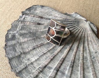 Vintage sterling and shell square ring