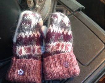 Childs sweater mittens