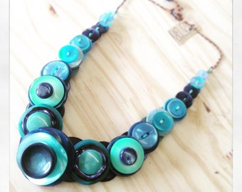 Necklace made of buttons in shades of blue, Turquoise Blue Navy