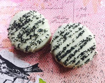 White Black Chocolate Covered Dipped Oreo Cookies, Black and White Dessert Buffet, Black White Wedding Favors, Black White Sweet Treats
