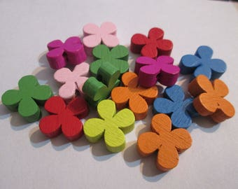 set of 20 flowers wooden beads painted 13 mm