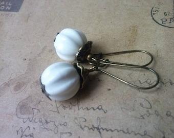 White porcelain earrings ~ bronze ~.