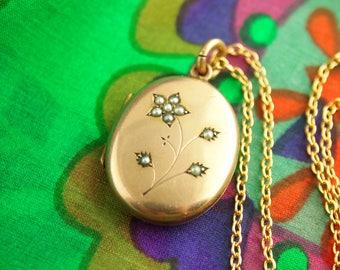 Pearl Flower Locket Necklace - Seed Pearl - Gold Filled Locket - Wedding Locket - Vintage Jewelry