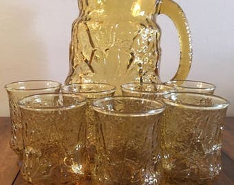 Groovy 1970's Anchor Hocking Gold Rainflower Pitcher and 7 Juice Glasses