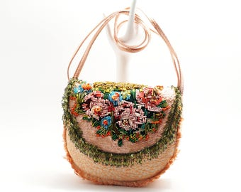 wild roses - extraordinary shoulder bag in beautiful colors, redesigned vintage