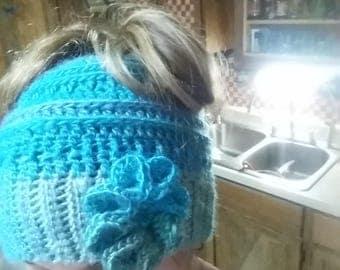 Crochet messy bun beanie. Adult