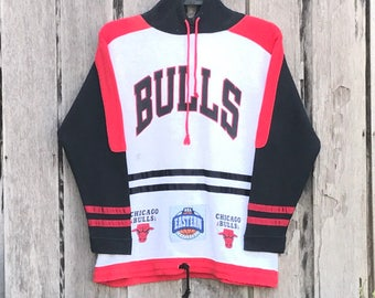 Vintage!!! Rare chicago bulls NBA eastern conference spell out big logo sweatshirts jumper