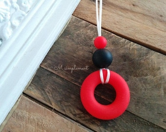 Teething necklace. Minimalist red.