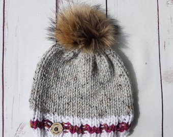 Adult hat whit real fur pompom, socks style