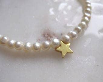 Pearl Bracelet, Star Bracelet, Charm Bracelet, Real Pearl Bracelet, Pearl with Charm Bracelet, Gold Star