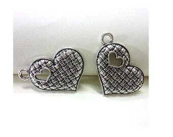 SET of 5 charms (D38) silver heart shaped heart with hole