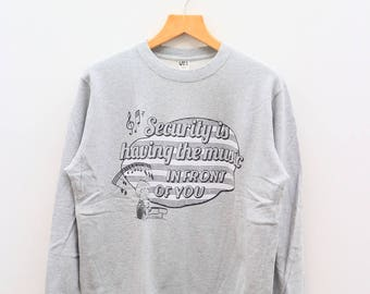 Vintage PEANUTS Snoopy Security Having The Music In Front Of You Gray Pullover Sweater Sweatshirt Size L
