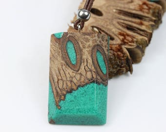 Wood resin necklace/resin wood necklace necklace with Banksiazapfen turquoise / green for him and her. Resin wood, nature lovers