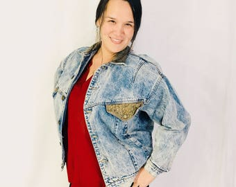 Vintage Acid Washed Jean Jacket Denim Sergio Valente Leather Pockets 80s Medium Awesome Boxy Cut Winged Sleeves Brass Buttons