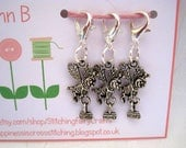 Bee progress keepers set of three, crochet stitch markers or zipper pulls with 14mm lobster claw clasp