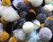 Pompons en laine acrylique faits à la main lot de 3 ou 4