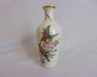 Lenox Gift of Love Vase Fine Ivory China Limited Edition Bud Vase