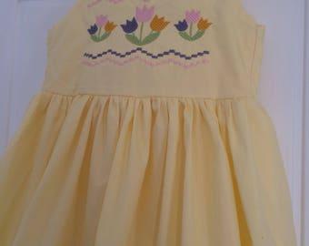 Girls smocked dress, tulip dress, girls embroidered dress, girls spring outfits, smocking dress, church dress, easter bunny dress