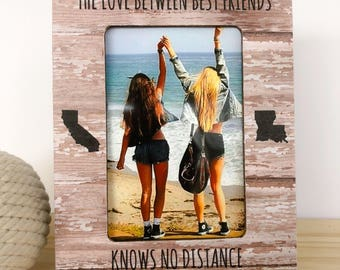 Long Distance Friendship Frame Gift Personalized Picture Frame The Love Between Best Friends Knows no Distance Gift Long Distance Friend