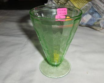 "green Floral ""Poinsettia"" 4 3/4"" footed water glass"