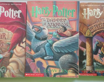Lot of 3 books about Harry Potter. Books about Harry Potter.