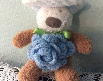 Chic and elegant little Teddy with his hat and one Rose Modèle