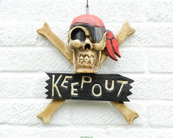 Keep Out Sign Large Pirate Skull & Crossbones Wooden Door Wall Hanging Bandana
