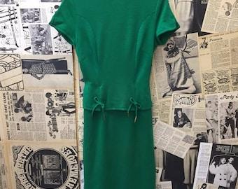 Vintage Original 1950s Green Pencil Peplum Dress Short Cap Sleeved Belted Size 8 FREE WORLDWIDE POSTAGE