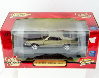 Rare Johnny Lightning Gold Series 1969 Ford Mustang Mach 1 1/24 Diecast Car
