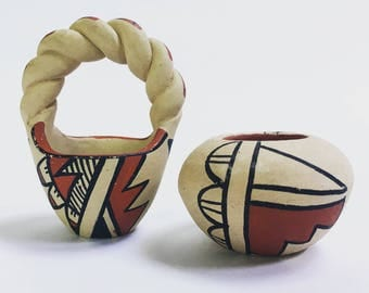 Chinana Jemez Miniature Seed Pots from New Mexico // Signed Pottery // Vintage Native American Pottery