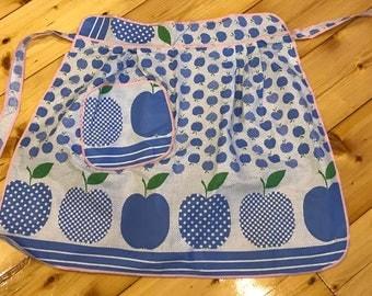 Apple Pattern & Detail Apron. Vintage, retro, kitchen style. Wrap Skirt Waist Fabric Wrap Apron.