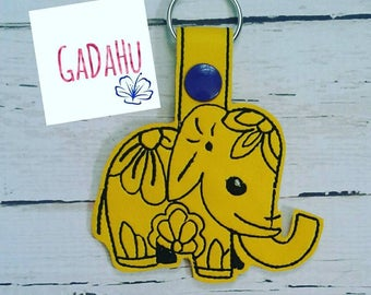 Elephant Key Fob Snap Tab Embroidery Design 4X4 size