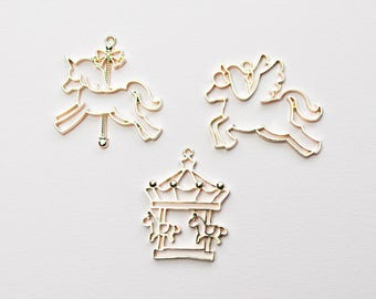 3pcs Open Bezel Charms, Unicorn charm, Merry Go round charms, Resin charms, Horse charms, unicorn pendants, carousel charms, rose gold charm