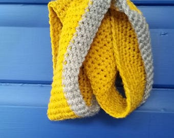 Lovely bright & full of personality cowl