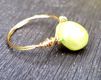 Green pearled bead ring