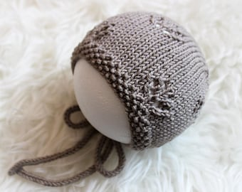 Knitted bonnet, baby hat, pixie hat, handknitted baby cap, wool bonnet, cotton bonnet, baby gift, baby christmas gift, baby accessories