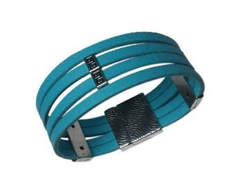 Turquoise leather bracelet, leather cuff from silver plated metal, magnetic clasp bracelet