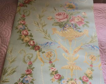 Very Good Quality Wallpaper, Marie Antoinette Style, Versailles, Swags Of Roses, Pinks, Blue & Yellow Shabby chic