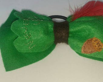 Oversized Peter pan bow