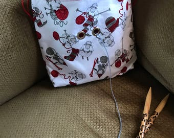 Knitting bag project  on the go