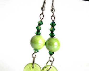 Earrings charms green glass leaves