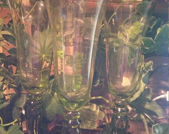 Vintage light green Champagne  toasting glasses with optical line design