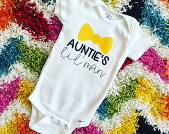Auntie's little man // aunt onesie // boy onesie // lil' man // boy mom // mom of boys // aunt gift // baby shower gift // baby shower idea