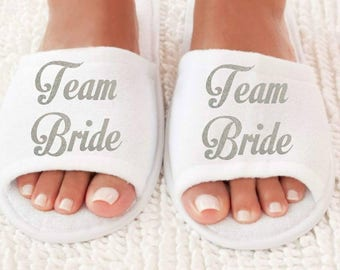 Team Bride Wedding Slippers, Bridesmaid Slippers, Bride Slippers, Bridal Party Slippers, Hen Party Gift, Bachelorette Party Slippers