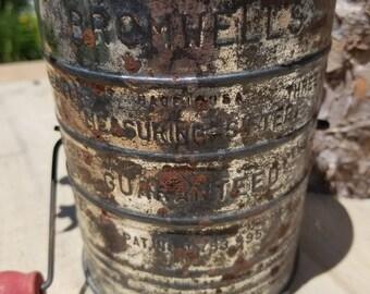 Vintage Bromwell Flour Sifter/ 3 Cup Tin Flour Sifter/ Farmhouse Decor/ Primitive Decor