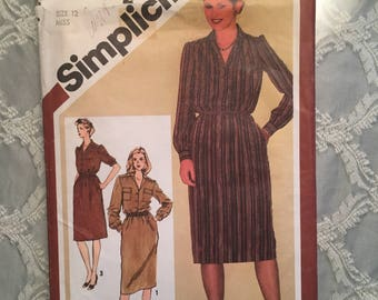 Vintage Simplicity 9781 Sewing Pattern Pullover slim-fitting shirt dress