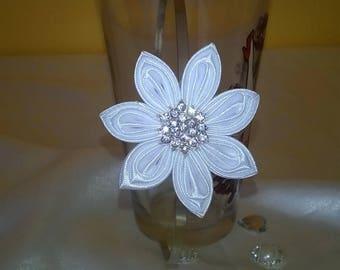 headband flower kanzashi way in satin ribbon white and silver rhinestones.