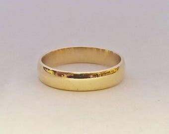 9k Gold Vintage Wedding Band