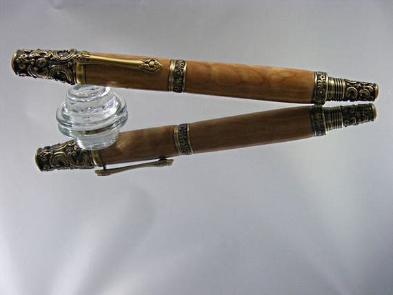 Victorian Rollerball Pen in Antique Brass and Quilted Maple